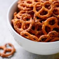 "Mac n Cheese ""CRACK"" Pretzels Recipe"