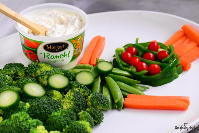 Holiday Tray with Marzetti Ranch Veggie Dip