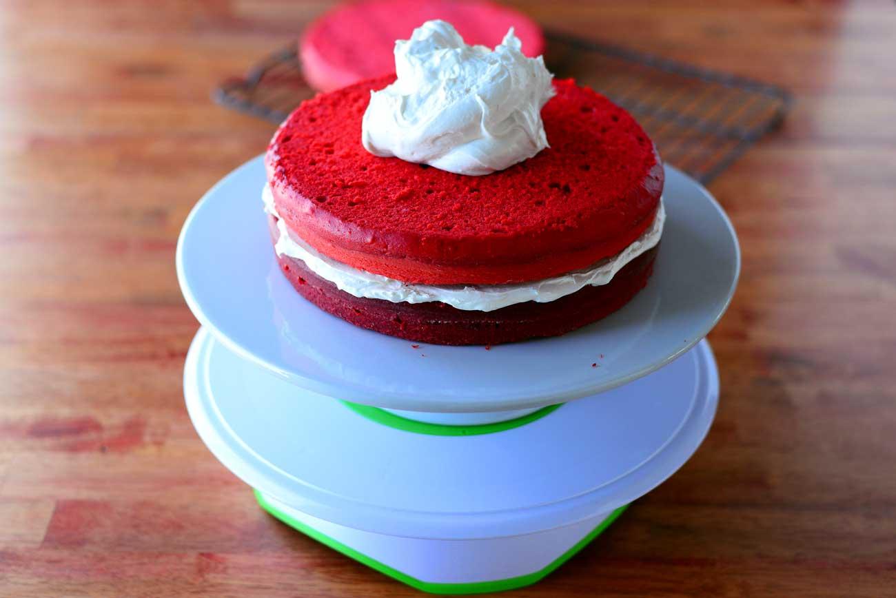 Frost Sweetheart Cake