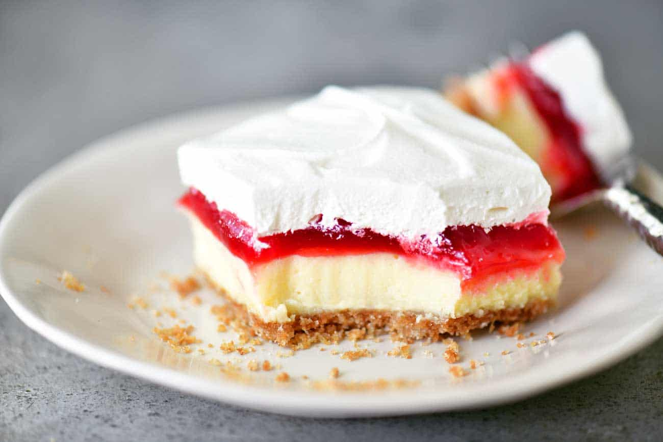 strawberry cheesecake dessert bite