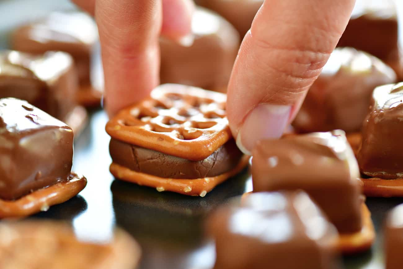 add top pretzel to Thanksgiving candy bar pretzel bites