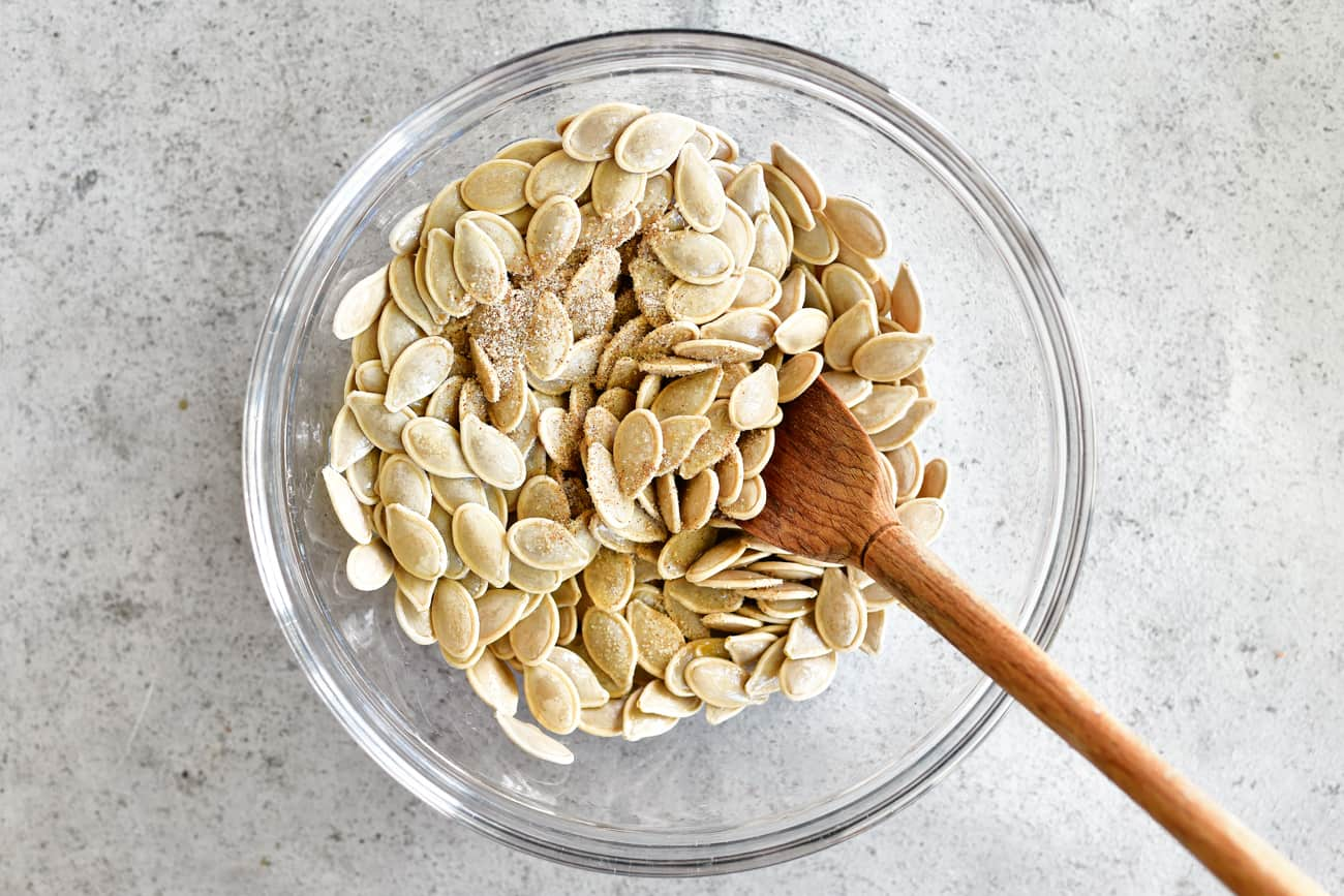 roasted pumpkin seeds with seasoned salt