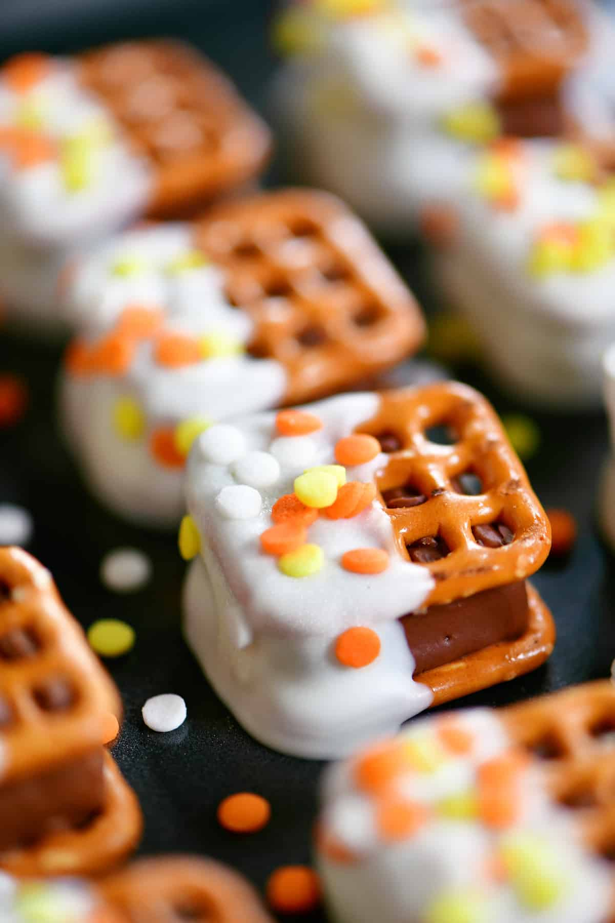 Thanksgiving candy bar pretzel bites
