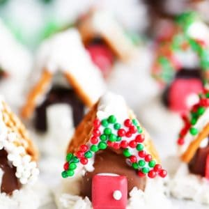 mini candy houses made with pretzels