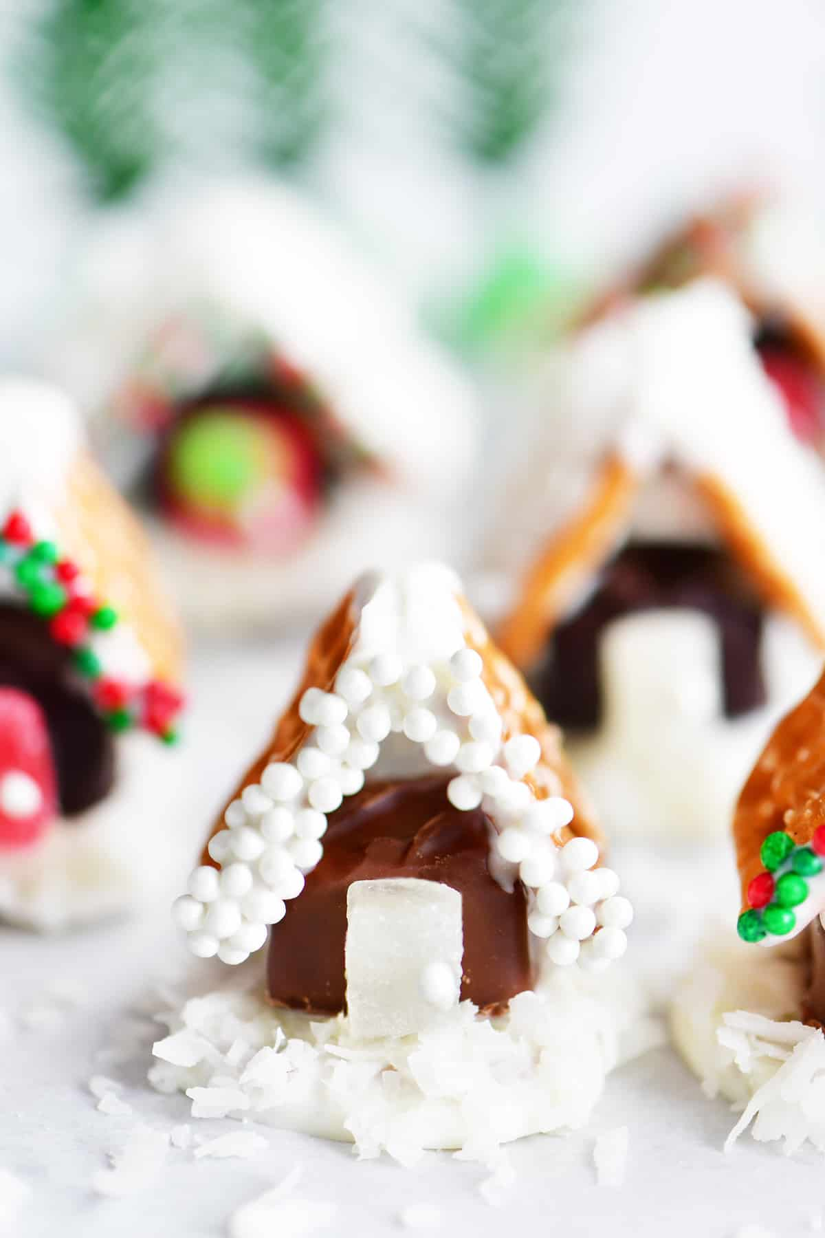 mini pretzel candy houses