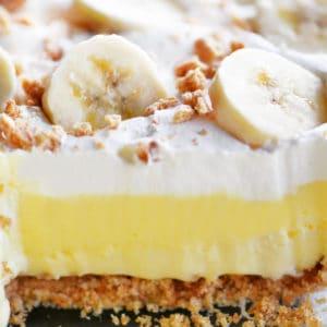 banana cheesecake dessert layers in slice