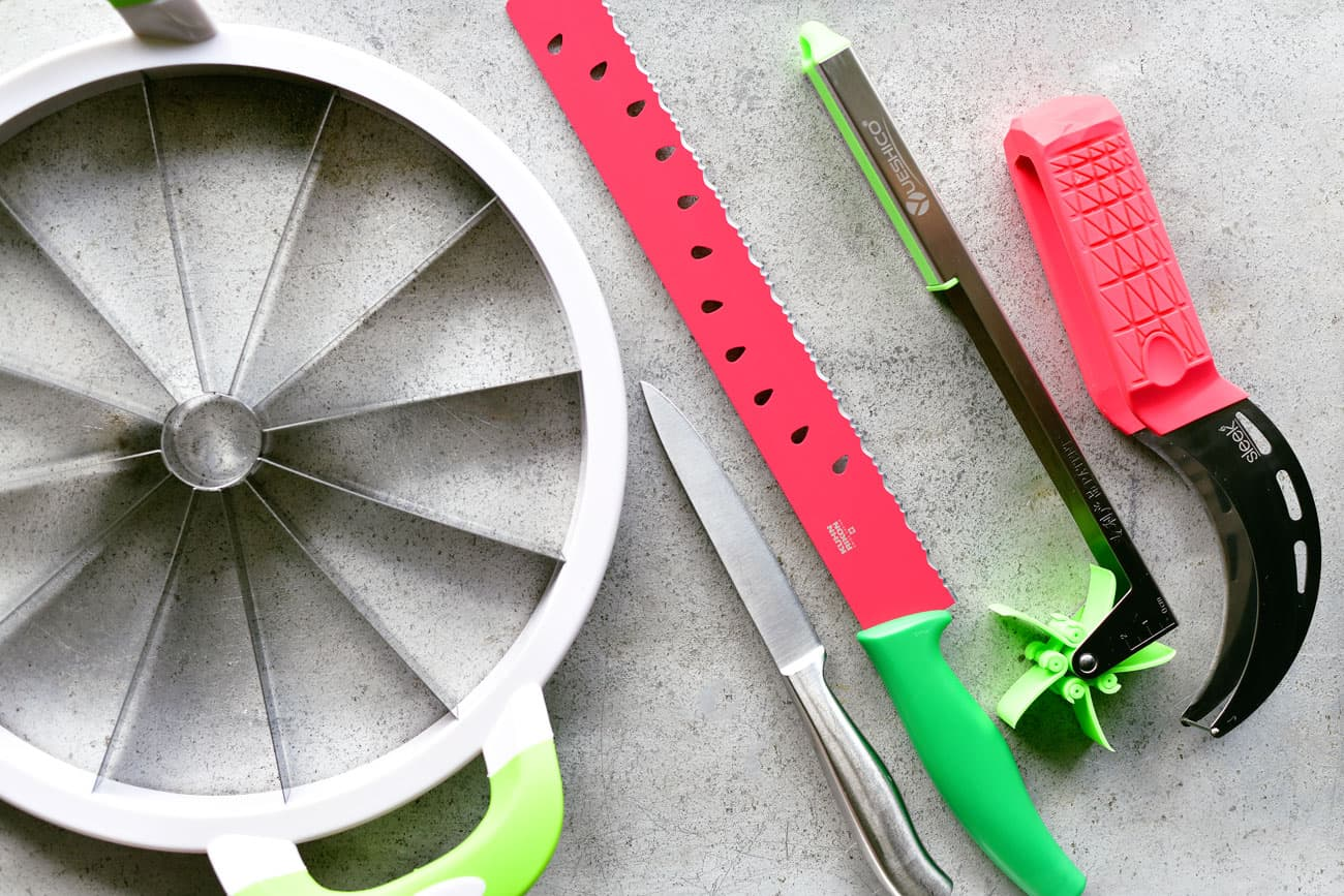 five different tools for slicing watermelon