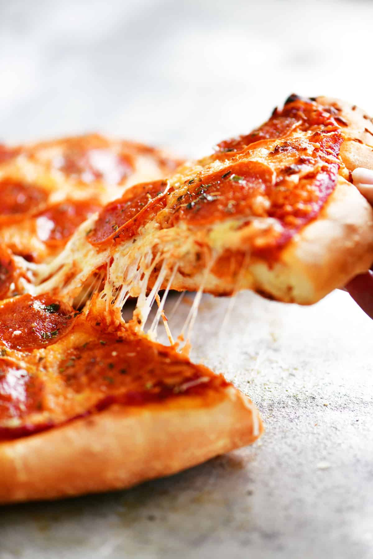 cheese pull pizza slice
