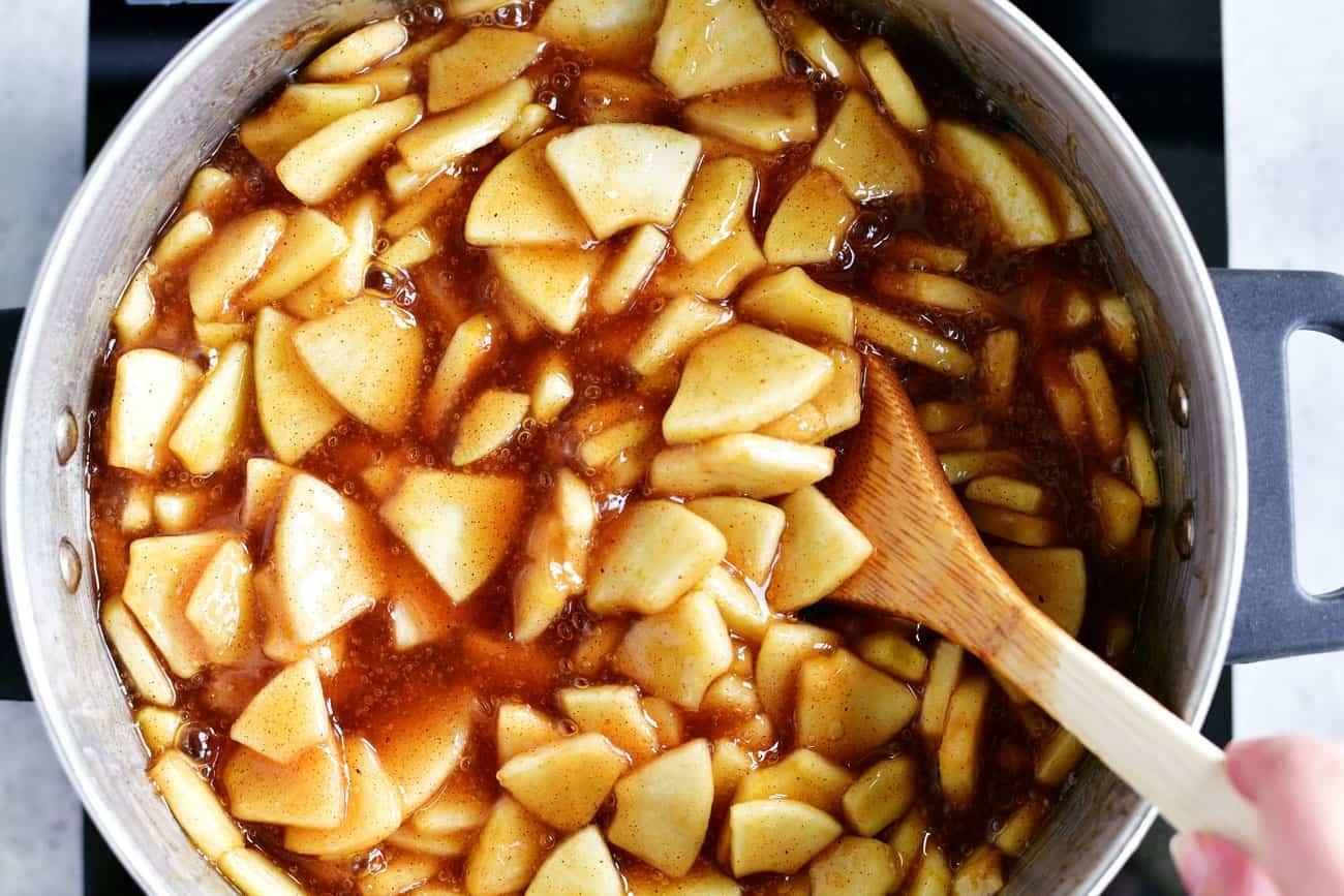 apple pie filling in a pot