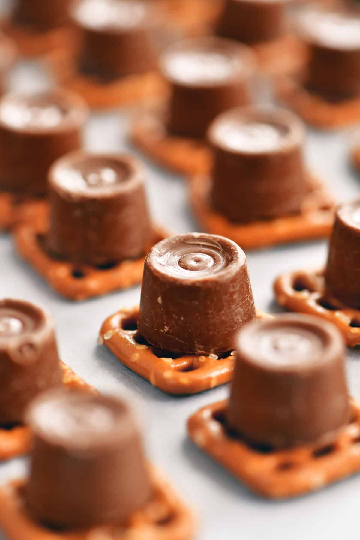 rolos on square pretzels
