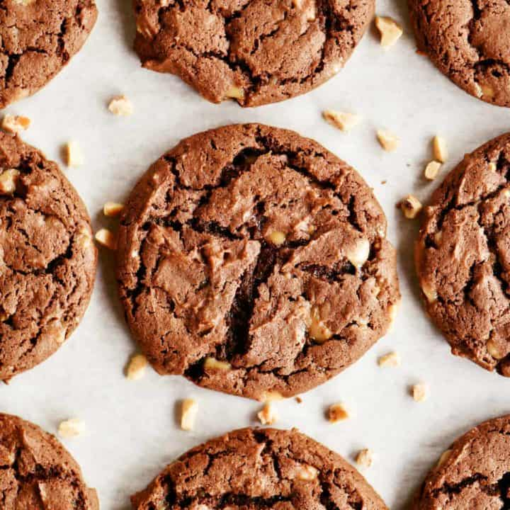 rows of baked chocolate cake mix cookies