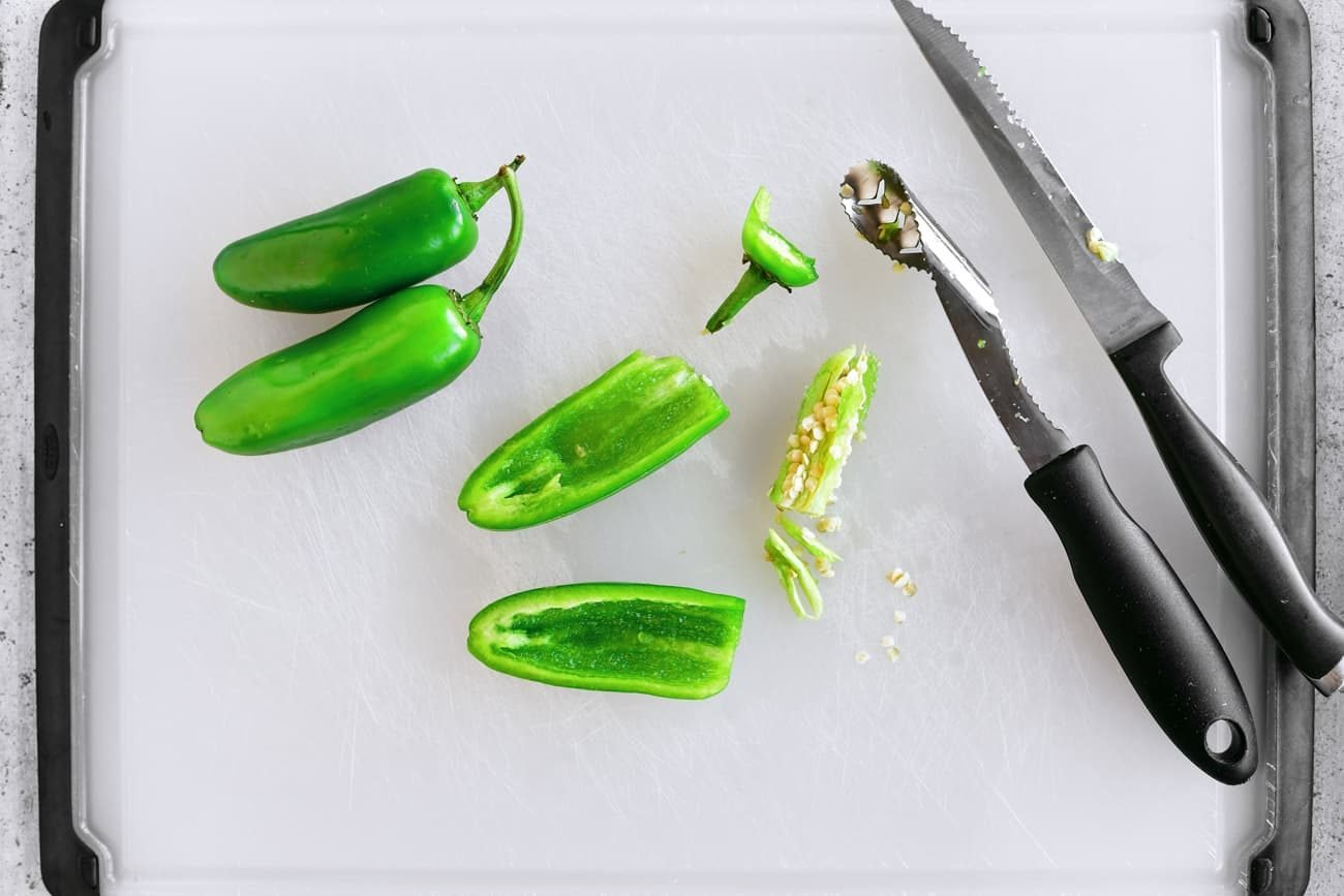 removing seeds from jalapenos