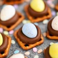 Cadbury Mini Egg Pretzel Kisses