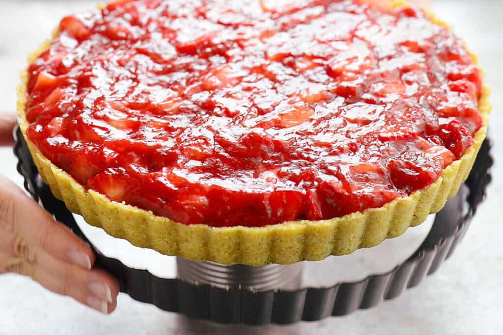 remove tart pan
