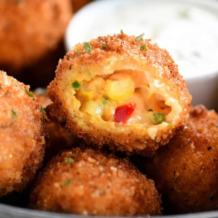 close up view inside the corn poppers