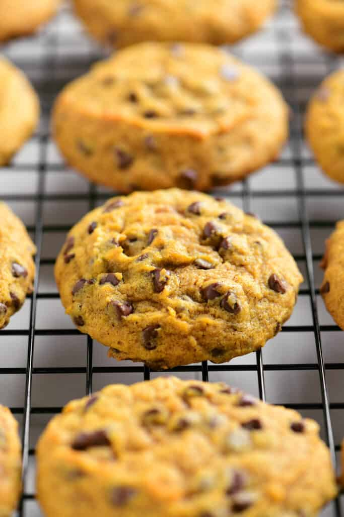 a cooling rack with cookies on it
