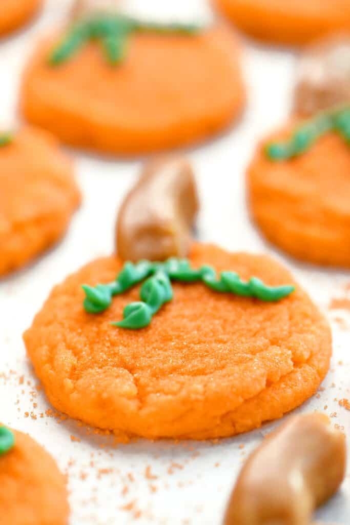 decorated pumpkin sugar cookies