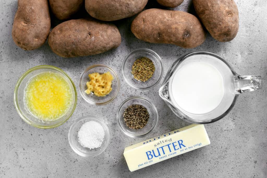 ingredients for making garlic mashed potatoes